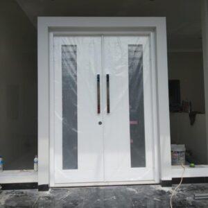 Pintu Besi kupu tarung